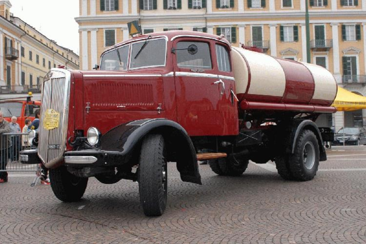 Storici la ruota d 39 oro classic camion di cuneo - Foto di grandi camion ...